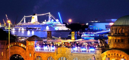 Die MS Deutschland im August 2014 bei den Cruise Days in Hamburg. © shiptrips.de
