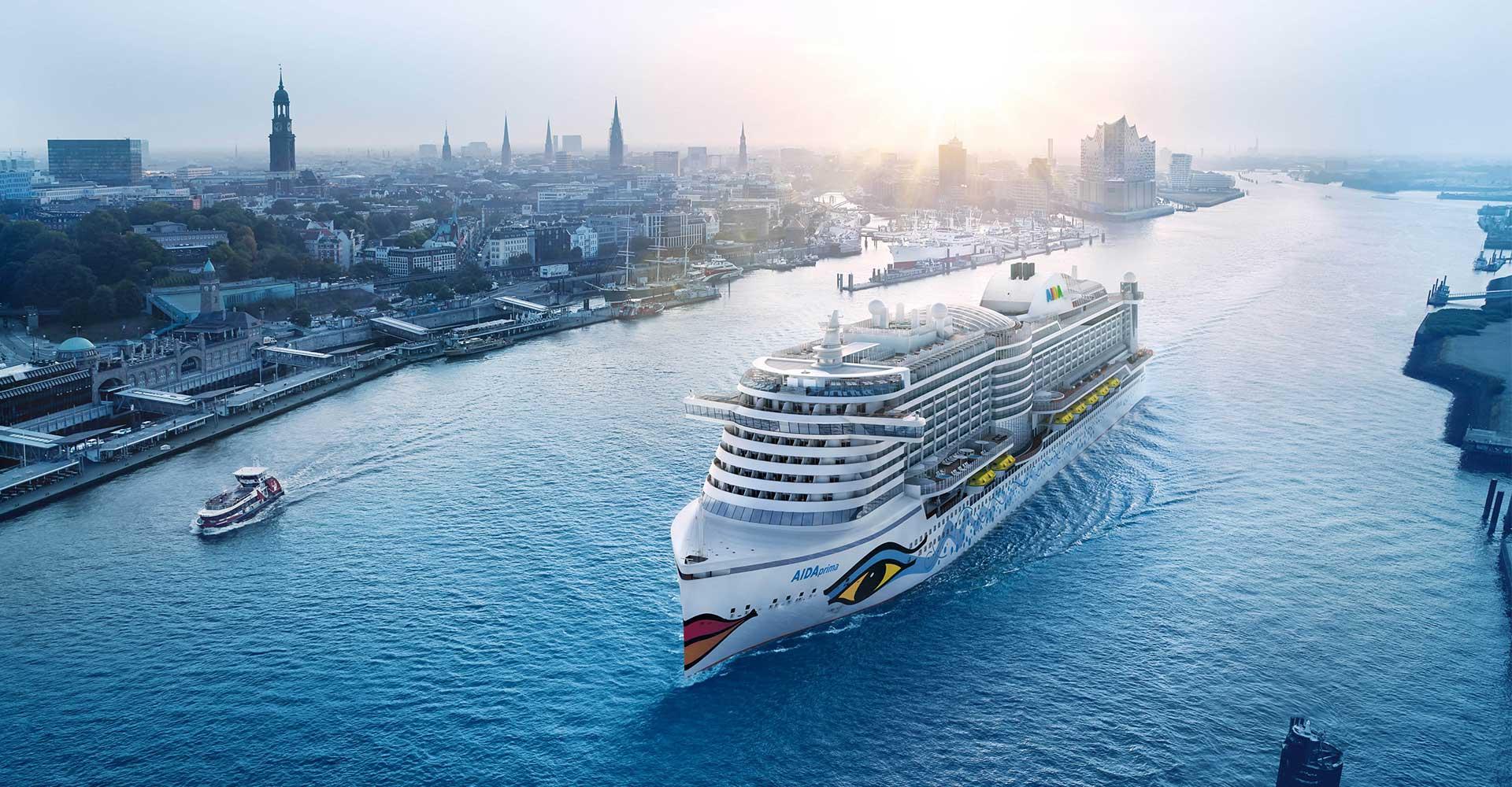 Noch eine Fotomontage, ab Frühjahr 2016 Realität: die AIDAprima auf der Elbe. © AIDA Cruises