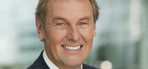 Jörg Wontorra leitet als Moderator den MS EUROPA 2 Europameisterschafts Talk an Bord des Luxusschiffs. © Hapag-Lloyd Cruises